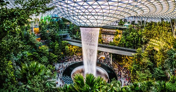 16 Wisata gratis di Singapura_blog_Air terjun di Jewel Changi