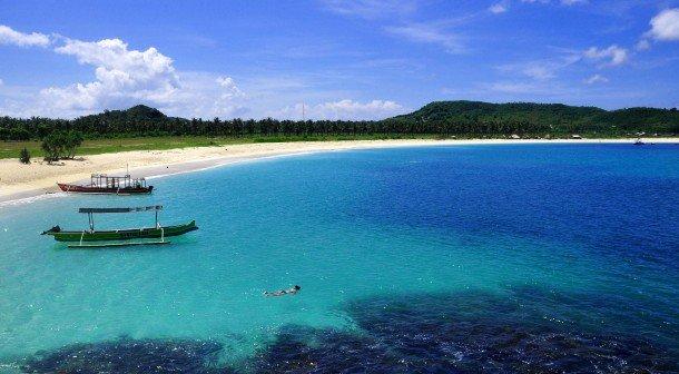 9834_eksotisme_tanjung_aan_lombok_tengah_arif_lukman_hakim