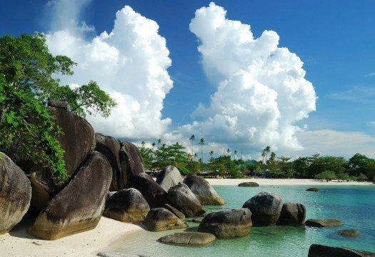 4.-tanjung-tinggi-beach