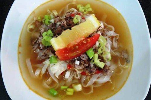 Sumber Foto: http://avidaendriani.it.student.pens.ac.id/bangkabelitung/images/kuliner/pantiaw.jpg