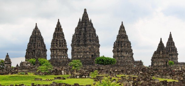 Candi Prambanan, Yogyakarta Sumber : Wikipedia.org