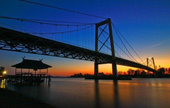 Jembatan Barito via httpwww.jalurmudik.com