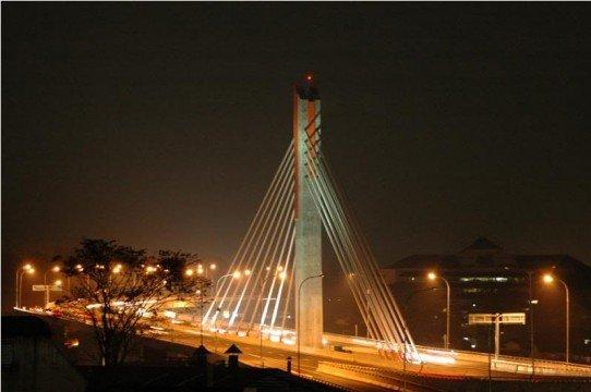 Jembatan Pasupati via visitkotabandung.wordpress.com