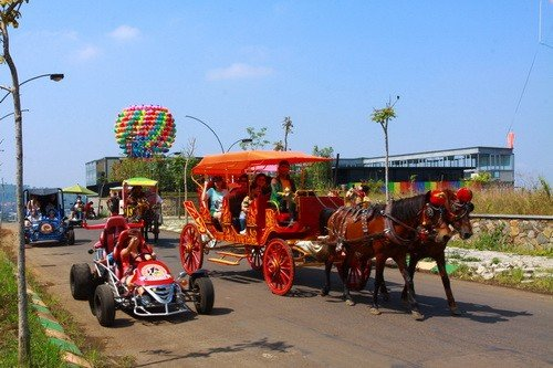 Kampung Gajah Wonderland via httptekooo.com