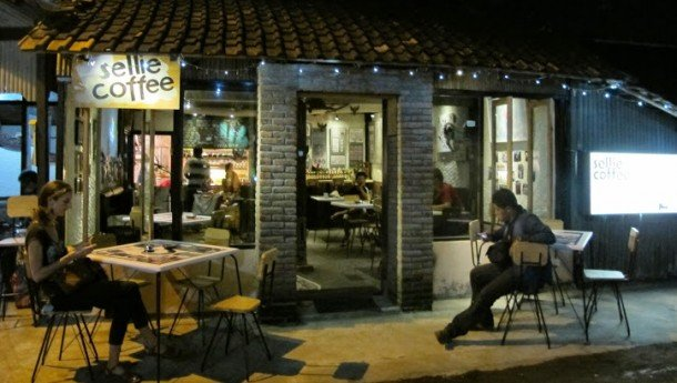 Sellie Coffee via https://plus.google.com/+SellieCoffeeYogyakarta