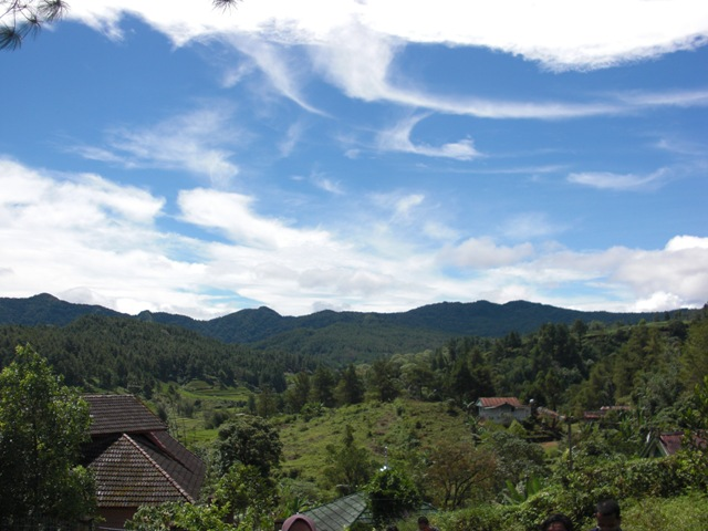 Lembah Biru Malino via https://iniwarnaku.wordpress.com