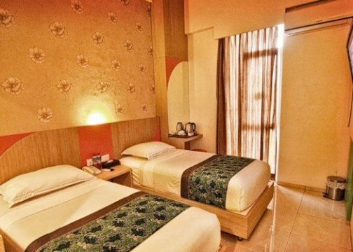 Dewarna Hotel room
