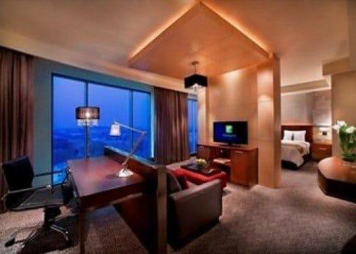 Holiday Inn Bandung room
