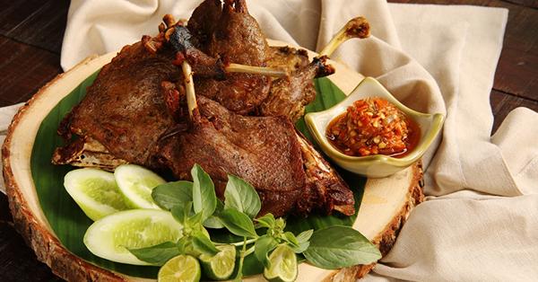 7 Kota Destinasi Wisata Kuliner di Indonesia - Surabaya