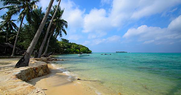 7 Spot Wisata di Karimunjawa yang Menakjubkan - Pantai Barakuda