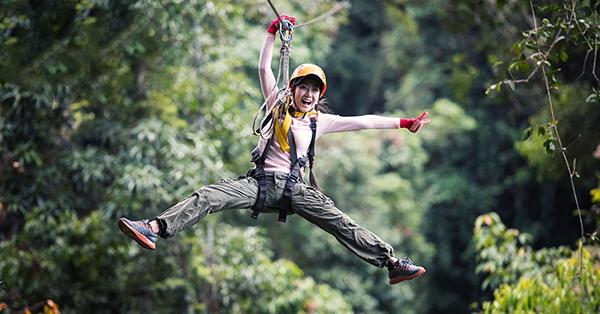 8 Tips Liburan untuk Obat Patah Hati, Manjur Banget - Mencoba Wisata Adrenalin