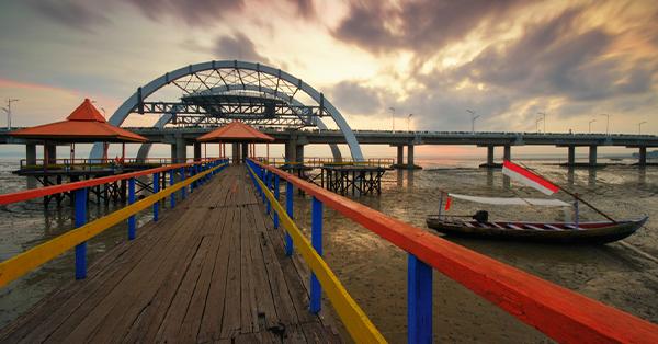 Alasan Harus Staycation di Surabaya - Pantai Kenjeran