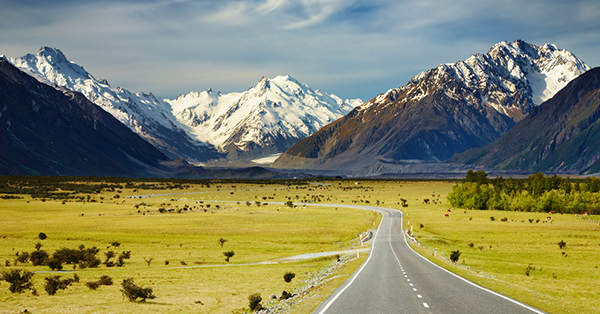 Alasan Kenapa Kamu Harus Liburan Ke Luar Negeri Saat Musim Panas - Pemandangan Alam Terlihat dengan Jelas
