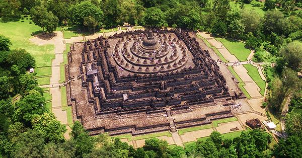 Candi di Indonesia Terindah dan Bersejarah - Candi Borobudur
