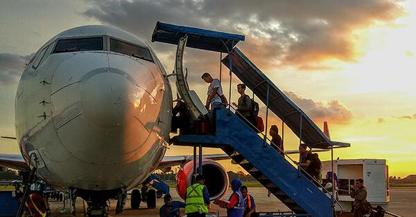 Cara Naik Pesawat Pertama Kali - Boarding