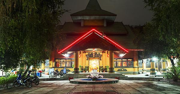 Destinasi Kekinian di Surabaya - Klenteng Sanggar Agung1