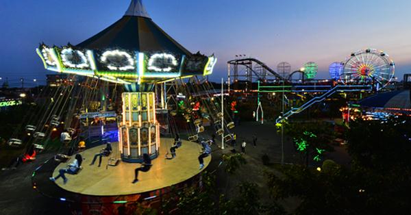 Destinasi Kekinian di Surabaya - Suroboyo Carnaval Park2