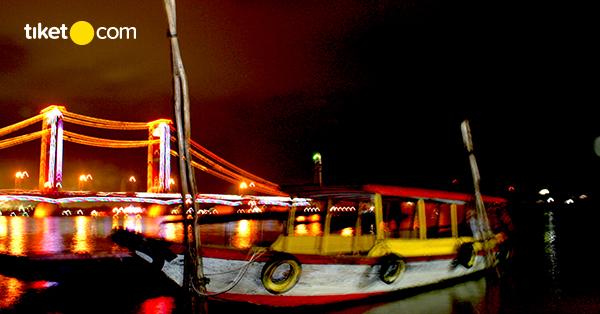 Naik Kapal di Sungai Musi, Ayo Mampir ke 3 Tempat Wisata Ini