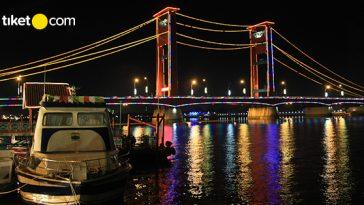 tempat makan hits di Jembatan Ampera