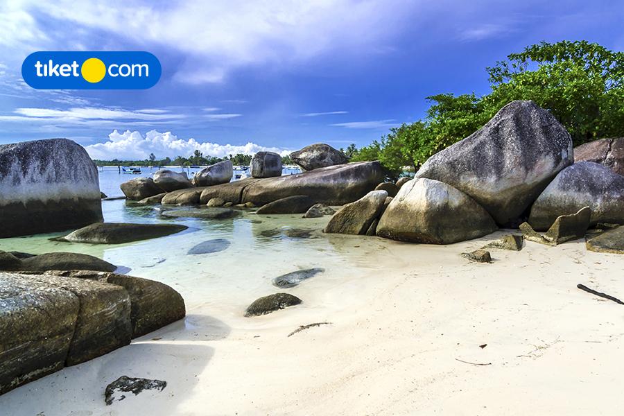 Pantai Tanjung Kelayang, Surga Tersembunyi di Belitung yang Menakjubkan!