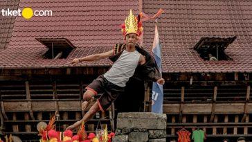 Festival Ya'ahowu Pulau Nias