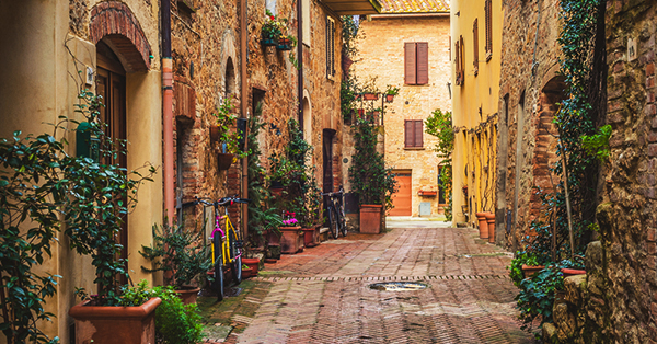 Film Liburan - Under The Tuscan Sun