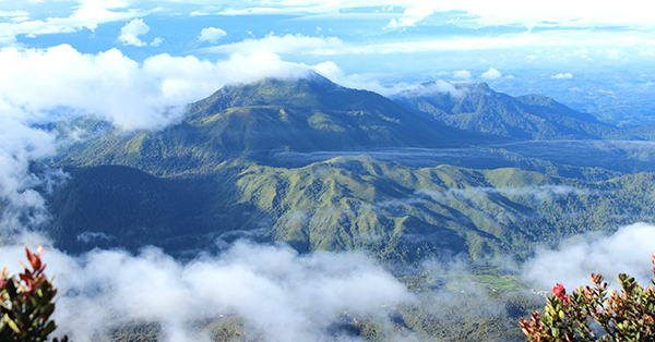 Gunung Lokasi Upacara Kemerdekaan Indonesia - Gunung Lawu