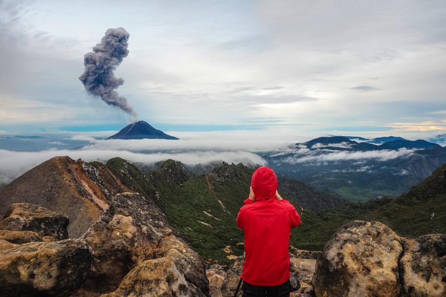 Tempat Wisata Romantis di Medan - Gunung Sibayak