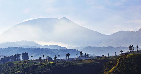 Gunung untuk Lokasi Upacara Kemerdekaan Indonesia - Gunung Slamet