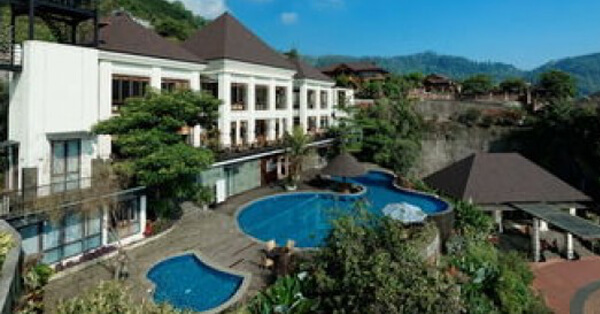 Hotel di Batu Malang - Jambuluwuk Batu Village Resort