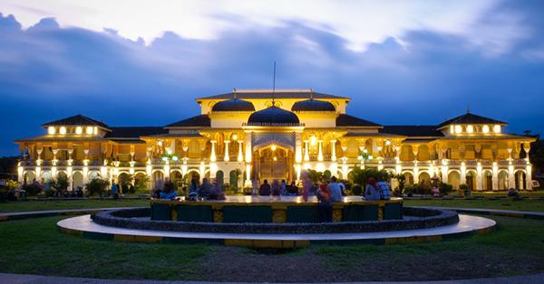 Wisata Sejarah Medan - Istana Maimun