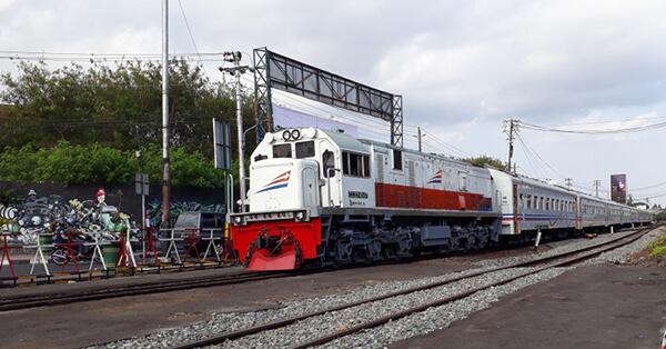 Jalur Kereta Api dengan Pemandangan Terindah di Indonesia - argo parahyangan