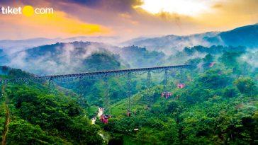 Jalur Kereta Api dengan Pemandangan Terindah di Indonesia - blog
