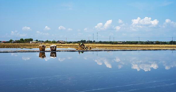 Jalur Kereta Api dengan Pemandangan Terindah di Indonesia - Anggrek