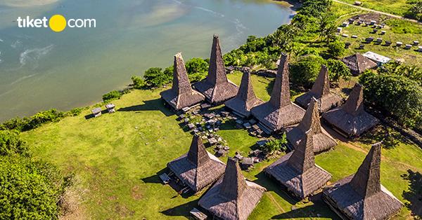 Kampung Adat Sumba