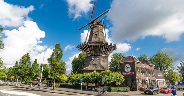 Liburan ke Amsterdam - Kincir Angin Kuno