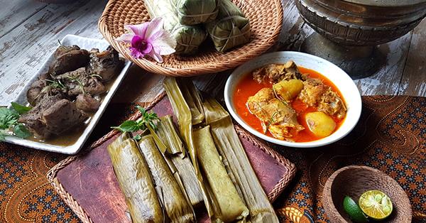 Jalan-Jalan ke Makassar, Jangan Lupa Cicipi 7 Jajanan Tradisionalnya!