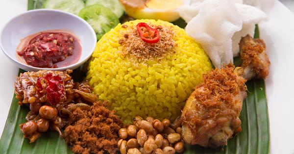 Kuliner Malam di Makassar