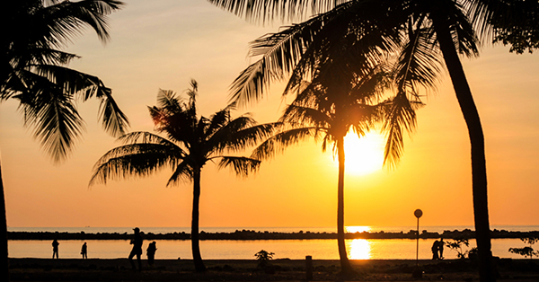 sunset di pantai akkarena
