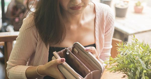 Mitos Liburan - Jalan-Jalan Buang Uang