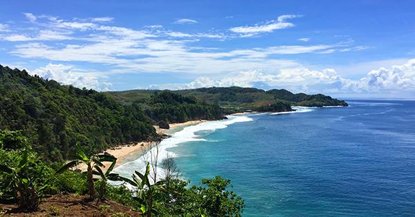 Pantai di Jawa Timur - Kedung Tumpang