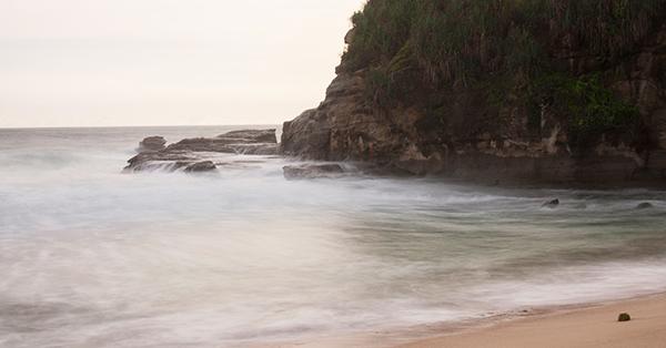 Pantai di Jawa Timur - Pantai Klayar