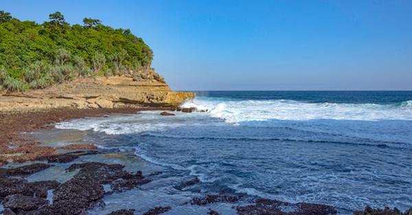Pantai di Malang - Pantai Ngliyep