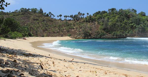 Beaches in Malang - Watu Leter Beach