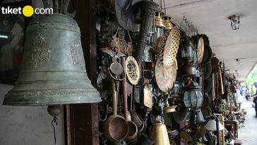 Pasar Barang Antik Jakarta