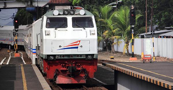 Perkembangan Kereta Api di Indonesia - Kereta Api Sekarang