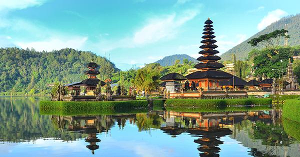 Pura di Bali Ulun Danu Beratan - 10 Pura Indah di Bali, Ada yang Bikin Enteng Jodoh!