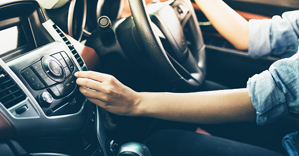 Sewa Mobil untuk Liburan - cek kondisi mobil