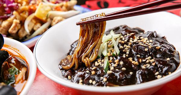 8 Street Food Korea, Wajib Coba Saat di Korea! | tiket.com