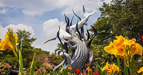 Tahun Baru Enaknya Ke Mana - Surabaya